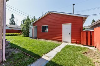 Photo 3: 219 52 Street NE in Calgary: Marlborough Detached for sale : MLS®# A1018432