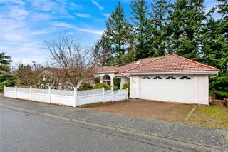 Photo 1: 5338 Georgiaview Cres in : Na North Nanaimo House for sale (Nanaimo)  : MLS®# 862547