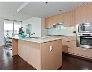 Photo 5: # 307 1675 W 8TH AV in Vancouver: Condo for sale : MLS®# V847637