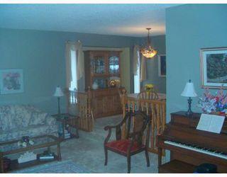 Photo 3: 392 BONNER Avenue in WINNIPEG: North Kildonan Single Family Detached for sale (North East Winnipeg)  : MLS®# 2710330