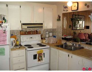 Photo 8: 1889 SHORE in Abbotsford: Central Abbotsford Manufactured Home for sale : MLS®# F2804923