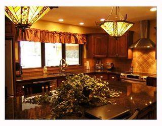 Photo 3: 95 DELBROOK Crescent in WINNIPEG: North Kildonan Residential for sale (North East Winnipeg)  : MLS®# 2808908