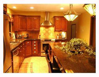 Photo 4: 95 DELBROOK Crescent in WINNIPEG: North Kildonan Residential for sale (North East Winnipeg)  : MLS®# 2808908