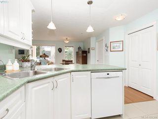Photo 10: 102 4536 Viewmont Avenue in VICTORIA: SW Royal Oak Condo Apartment for sale (Saanich West)  : MLS®# 421364