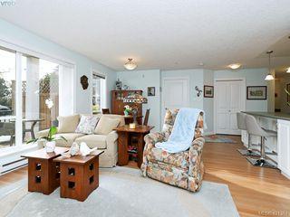 Photo 2: 102 4536 Viewmont Avenue in VICTORIA: SW Royal Oak Condo Apartment for sale (Saanich West)  : MLS®# 421364
