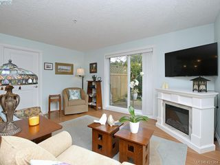 Photo 3: 102 4536 Viewmont Avenue in VICTORIA: SW Royal Oak Condo Apartment for sale (Saanich West)  : MLS®# 421364