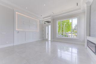Photo 2: 12707 104A Avenue in Surrey: Cedar Hills House for sale (North Surrey)  : MLS®# R2441525