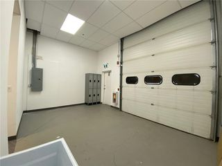 Photo 3: 302 2903 KINGSVIEW Boulevard SE: Airdrie Industrial for lease : MLS®# C4296420