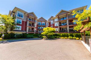 Photo 1: 404A 45595 TAMIHI Way in Chilliwack: Vedder S Watson-Promontory Condo for sale (Sardis)  : MLS®# R2480510