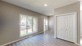 Photo 2: 11810 64 Street NW in Edmonton: Zone 06 Duplex Front and Back for sale : MLS®# E4222511