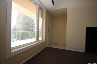 Photo 2: 230 Gore Place in Regina: Normanview West Residential for sale : MLS®# SK836188