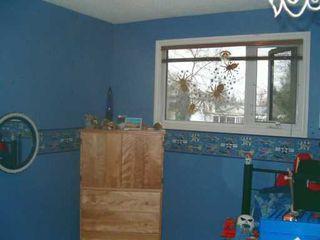 Photo 7: 829 PEAKE Avenue in Winnipeg: Transcona Single Family Detached for sale (North East Winnipeg)  : MLS®# 2618076