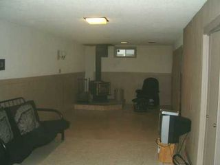 Photo 8: 829 PEAKE Avenue in Winnipeg: Transcona Single Family Detached for sale (North East Winnipeg)  : MLS®# 2618076