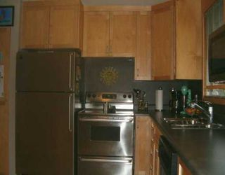 Photo 4: 829 PEAKE Avenue in Winnipeg: Transcona Single Family Detached for sale (North East Winnipeg)  : MLS®# 2618076