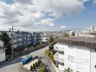 """Photo 4: # 405 33 N TEMPLETON DR in Vancouver: Hastings Condo for sale in """"33 NORTH"""" (Vancouver East)  : MLS®# V883720"""