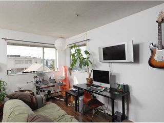 """Photo 3: # 405 33 N TEMPLETON DR in Vancouver: Hastings Condo for sale in """"33 NORTH"""" (Vancouver East)  : MLS®# V883720"""