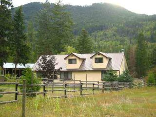 Main Photo: 1737 Chase Falkland Road: Chase House/Single Family for sale (Shuswap)  : MLS®# 9191262
