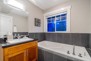 """Photo 13: 782 ST. GEORGES Avenue in North Vancouver: Central Lonsdale Townhouse for sale in """"St. Georges Row"""" : MLS®# R2409256"""