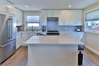 Photo 2: 12002 39 ST NW in Edmonton: Zone 23 House for sale : MLS®# E4173004