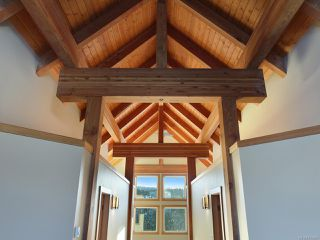 Photo 8: 570 Arrowsmith Ridge in COURTENAY: CV Mt Washington House for sale (Comox Valley)  : MLS®# 833885