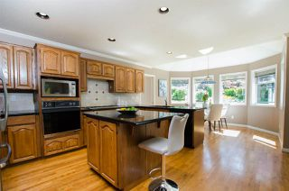 """Photo 15: 2743 COUNTRY WOODS Drive in Surrey: Grandview Surrey House for sale in """"Country Woods"""" (South Surrey White Rock)  : MLS®# R2459680"""