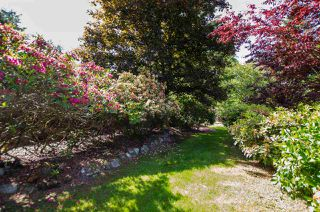 """Photo 31: 2743 COUNTRY WOODS Drive in Surrey: Grandview Surrey House for sale in """"Country Woods"""" (South Surrey White Rock)  : MLS®# R2459680"""