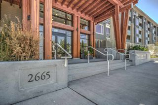 Photo 1: 411 2665 MOUNTAIN Highway in North Vancouver: Lynn Valley Condo for sale : MLS®# R2463896