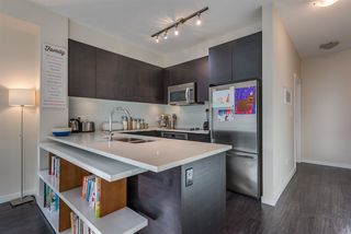 Photo 6: 411 2665 MOUNTAIN Highway in North Vancouver: Lynn Valley Condo for sale : MLS®# R2463896