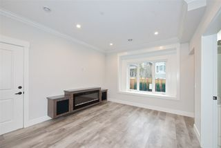 Photo 7: 2238 E 35TH Avenue in Vancouver: Victoria VE House 1/2 Duplex for sale (Vancouver East)  : MLS®# R2498954