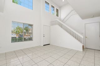 Photo 5: SANTEE House for sale : 3 bedrooms : 117 River Rock Ct