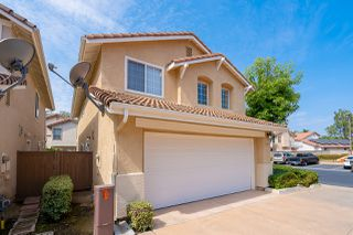 Photo 3: SANTEE House for sale : 3 bedrooms : 117 River Rock Ct