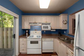 Photo 4: 27 3947 Cedar Hill Cross Rd in : SE Cedar Hill Row/Townhouse for sale (Saanich East)  : MLS®# 858256
