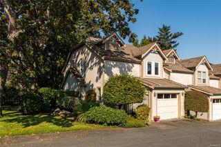 Photo 2: 27 3947 Cedar Hill Cross Rd in : SE Cedar Hill Row/Townhouse for sale (Saanich East)  : MLS®# 858256