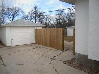 Photo 19: 909 DOWKER AVE in Winnipeg: Residential for sale : MLS®# 1106284
