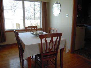 Photo 5: 909 DOWKER AVE in Winnipeg: Residential for sale : MLS®# 1106284