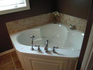Photo 11: 909 DOWKER AVE in Winnipeg: Residential for sale : MLS®# 1106284