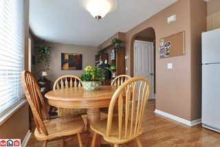 "Photo 3: # 62 18883 65TH AV in Surrey: Townhouse for sale in ""Applewood"" : MLS®# F1109959"