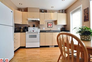 "Photo 2: # 62 18883 65TH AV in Surrey: Townhouse for sale in ""Applewood"" : MLS®# F1109959"