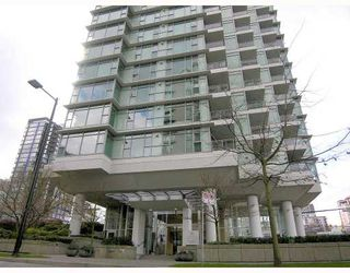 "Photo 5: 802 1790 BAYSHORE Drive in Vancouver: Coal Harbour Condo for sale in ""BAYSHORE GARDENS"" (Vancouver West)  : MLS®# V672591"