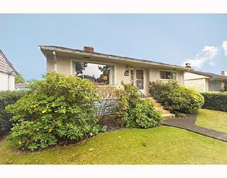 Photo 1: 4350 PARKER Street in Burnaby: Willingdon Heights House for sale (Burnaby North)  : MLS®# V672843