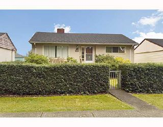 Photo 10: 4350 PARKER Street in Burnaby: Willingdon Heights House for sale (Burnaby North)  : MLS®# V672843