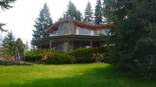 Main Photo: 2821 Juniper Crescent: Blind Bay House/Single Family for sale (Shuswap)  : MLS®# 9191858