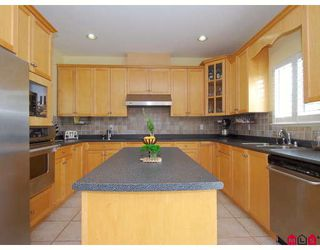 Photo 2: 15222 81A Avenue in Surrey: Fleetwood Tynehead House for sale : MLS®# F2815844