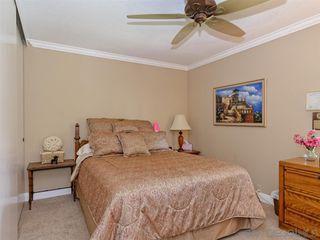 Photo 11: BONITA House for sale : 4 bedrooms : 3256 Casa Bonita