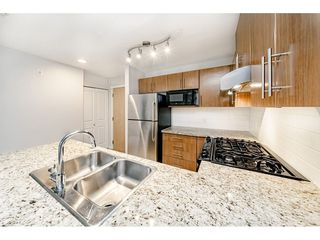 Photo 5: 120 700 KLAHANIE Drive in Port Moody: Port Moody Centre Condo for sale : MLS®# R2418558
