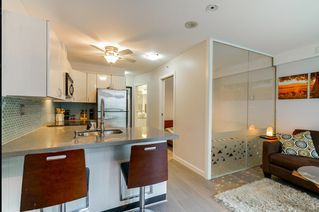 """Main Photo: 801 939 HOMER Street in Vancouver: Yaletown Condo for sale in """"The Pinnacle"""" (Vancouver West)  : MLS®# R2444285"""