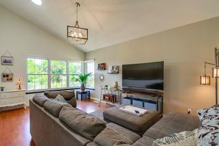 Photo 7: SOUTH ESCONDIDO House for sale : 3 bedrooms : 210 Cranston Crst in Escondido