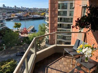"Main Photo: 601 1625 HORNBY Street in Vancouver: Yaletown Condo for sale in ""Seawalk North"" (Vancouver West)  : MLS®# R2479296"