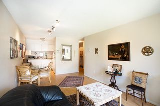 """Photo 4: 304 212 FORBES Avenue in North Vancouver: Lower Lonsdale Condo for sale in """"Forbes Manor"""" : MLS®# R2481316"""