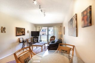 """Photo 3: 304 212 FORBES Avenue in North Vancouver: Lower Lonsdale Condo for sale in """"Forbes Manor"""" : MLS®# R2481316"""